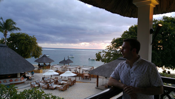 Larry Soffer Performs for Coca-Cola in Mauritius